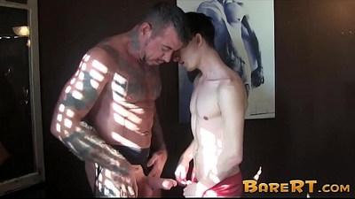 bareback  blowjob  bodybuilder